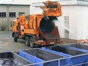 Стандартный шламоосушающий контейнер используется ассенизатором